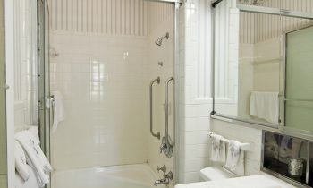 Injury-Proof Your Elderly Loved One's Bathroom with These Tips