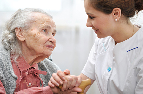 7 Benefits of In-Home Care Providers for Family Caregivers