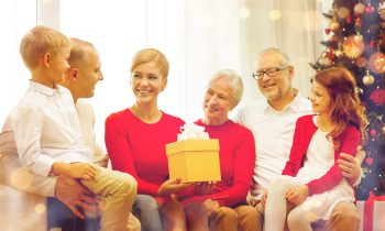Long-Distance Caregivers Should Watch For These Three Things During Their Parents' Yearly Holiday Gathering
